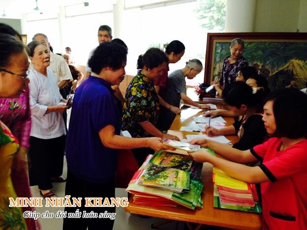 Minh Nhãn Khang tích cực hỗ trợ cộng đồng chăm sóc và bảo vệ tầm nhìn sáng khỏe